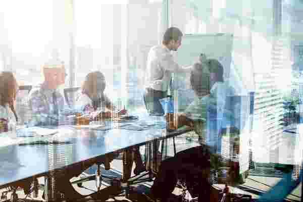 如何为您的SaaS业务建立一支坚实的销售团队